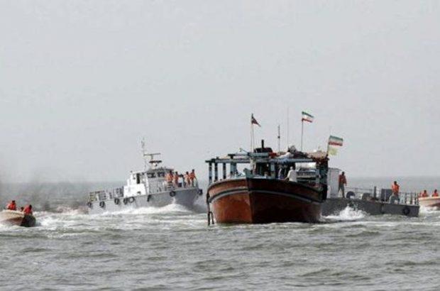 کشف ۱۲۰ هزار لیتر گازوئیل قاچاق در مرزهای آبی هرمزگان/دستگیری ۱۴ متهم