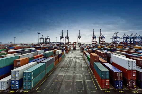 افزایش صادرات فرآورده های نفتی در گمرک شهید رجایی