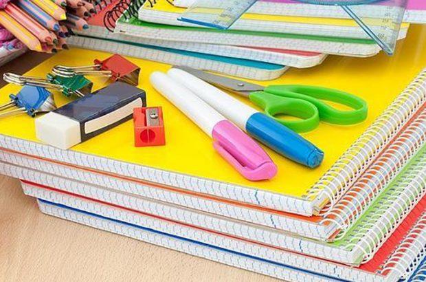 اهدای ۵۵۰ بسته تحصیلی به دانش آموزان بستکی