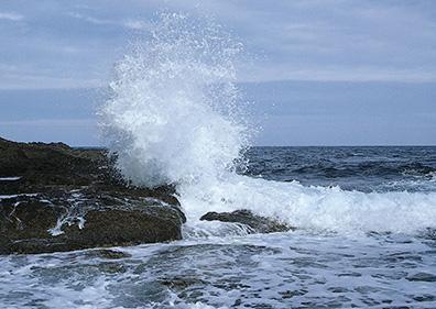 شناورهای سبک از تردد به جزیره لاوان و کیش خودداری کنند