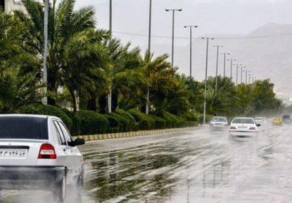 رگبار باران و آبگرفتگی معابر عمومی در بندرعباس