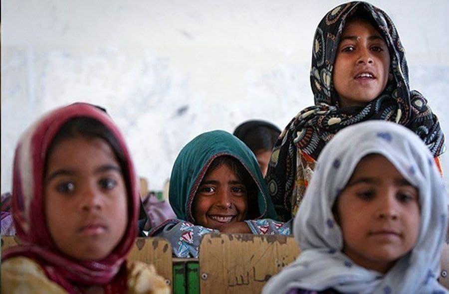 هیچ دانش آموزی نباید به دلیل فقر از تحصیل بازبماند