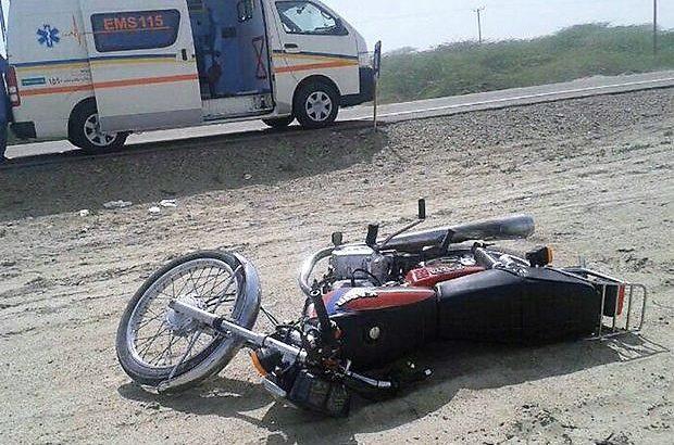 جان باختن موتورسوار در جاده بندرلنگه – بندرخمیر