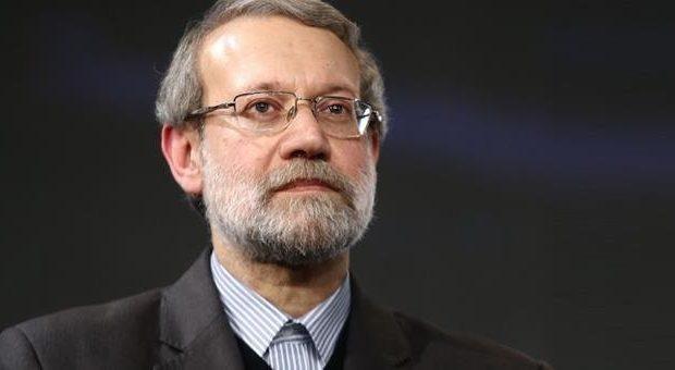 علی لاریجانی مصوبه دولت درباره افزایش حقوق کارمندان را رد کرد
