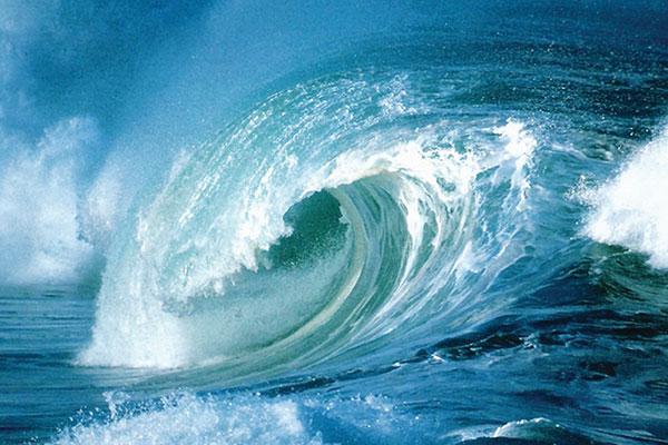 توصیه میشود شناورهای سبک و صیادی از تردد دریایی خودداری کنند